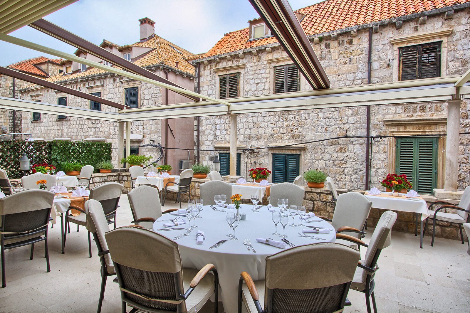 Old town dubrovnik hotels the pucic palace luxury for Five star boutique